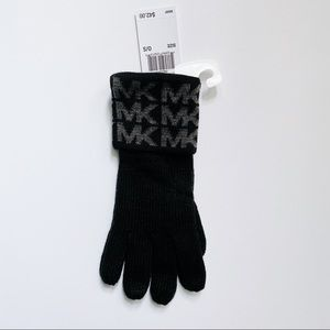 NWT Michael Kors Black & Gray Knit Gloves